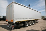 Curtainside-board semitrailer modernized